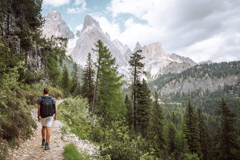 hiking to lago di sorapis, Italian Dolomites